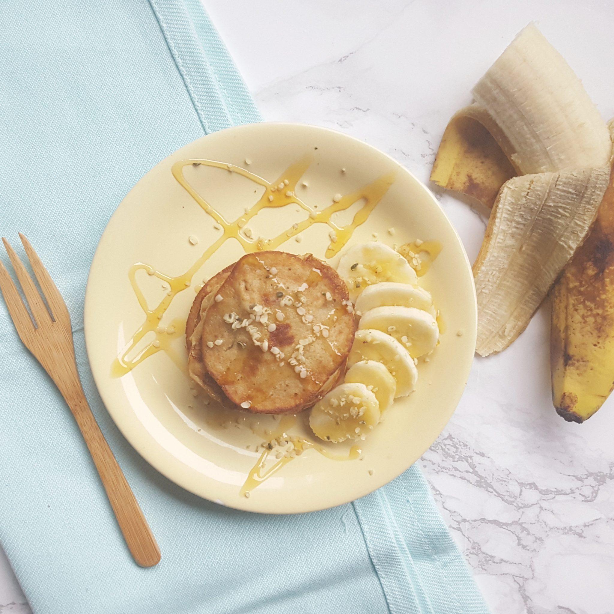 Kidsproof:  bananenpannenkoekjes met amandelpasta